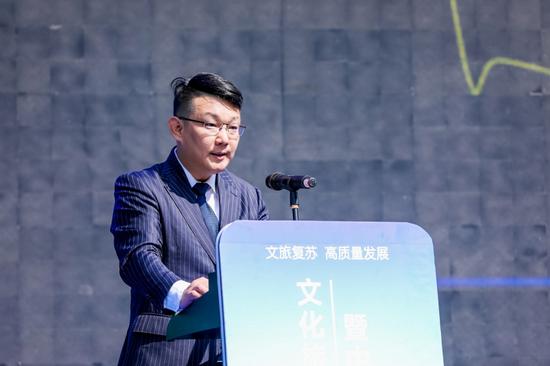 (携程集团副总裁、政府合作及市场拓展CEO王韦在会上发言)