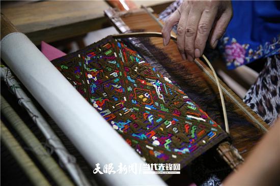 苗绣作品。贵州图片库供图