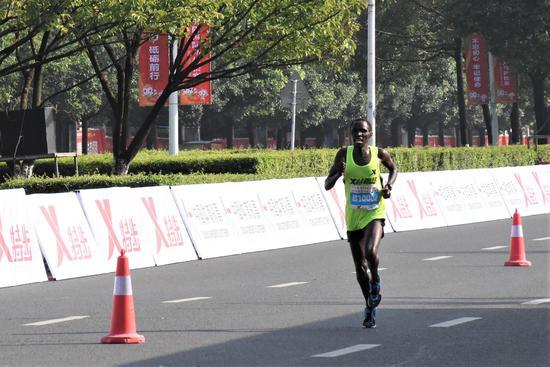 2018贵阳国际马拉松赛圆满落幕 中国选手夺得女子全马冠军