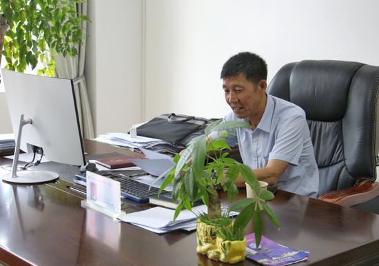 王天志:饮水思源无私奉献  积极公益情暖家乡