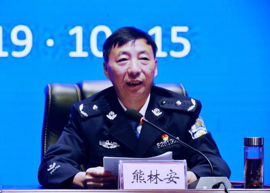 熊林安副局长通报全省监狱工作开展情况