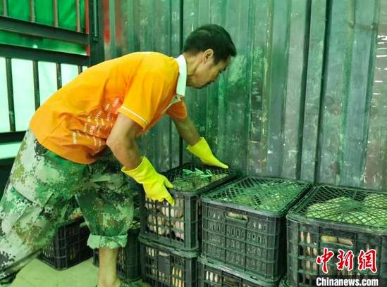 """贵阳供销电商公司与农产品基地开展订单式""""一条龙""""服务"""