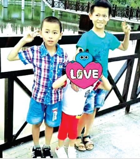 离家出走半月不知去向的两名小男孩(图片家长提供)