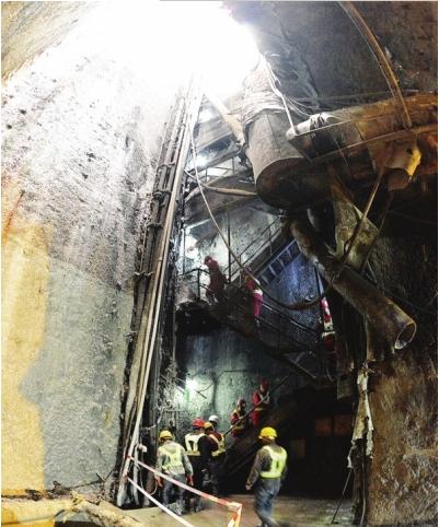 贵阳轨道交通1号线施工又攻克一个难点。