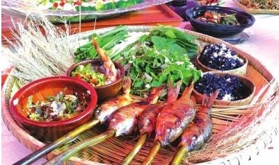 侗族烧鱼。