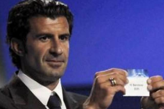 国际巨星菲戈造访足球小镇 3000球迷去都匀追星