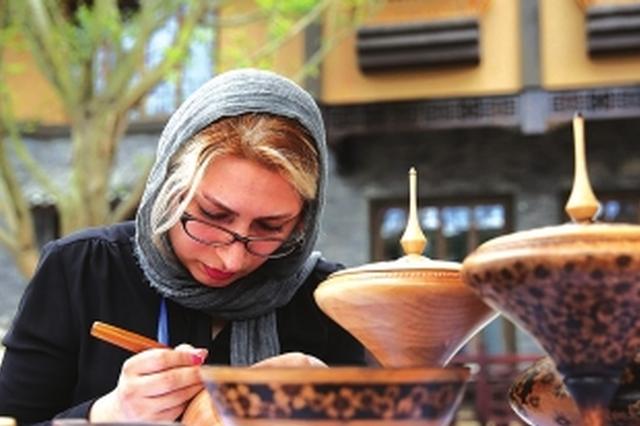 丹寨万达小镇举行非物质文化遗产交流体验活动