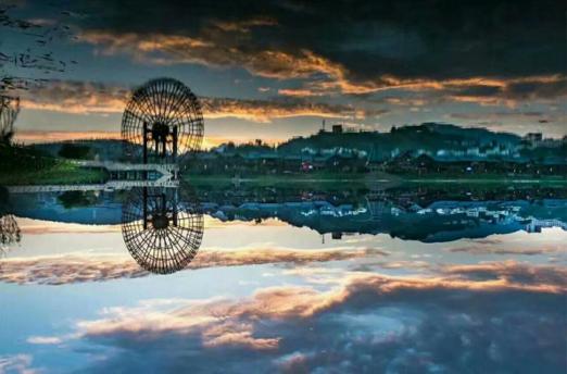 """为驱逐""""国庆中秋单节黄金周"""",丹寨万达小镇针对家好・月圆特性,推出十月份以""""亲子旅游节""""为主题的一系列优良旅游体验项目。"""