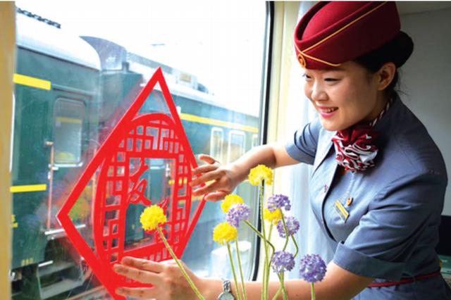 贵阳:新铁路制服以灰色调为主