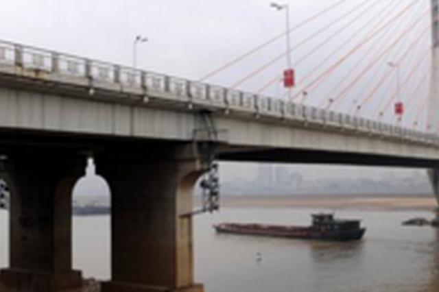 贵阳:轨交2号线二期 首根桥墩施工完成