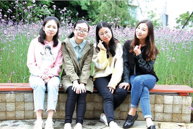 """贵州师范大学有个学霸寝室 同寝""""四朵金花""""集体考研成功"""