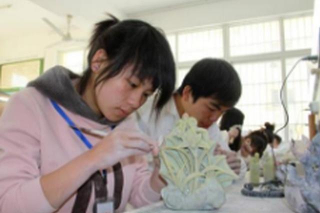 贵州民族大学开班培养苗族工艺人才