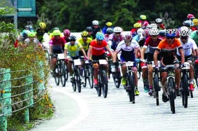 1300余名骑手 挑战雷公山