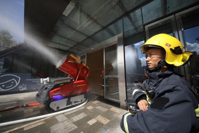 地下建筑火灾跨区域拉动演练举行