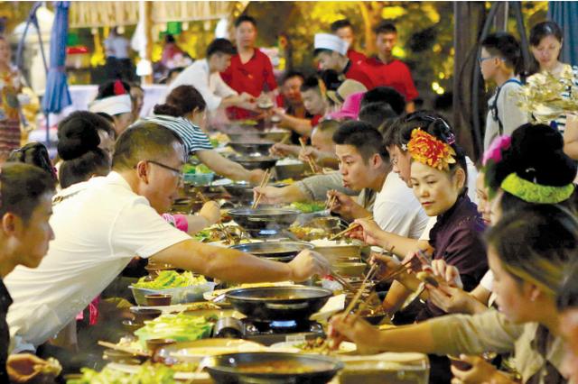 中秋小长假第一天 贵州17个景区游客接待过万人次