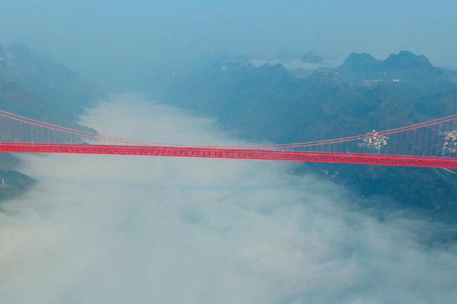 """坝陵河大桥建设指挥长 让贵州桥梁问鼎""""世界级"""""""