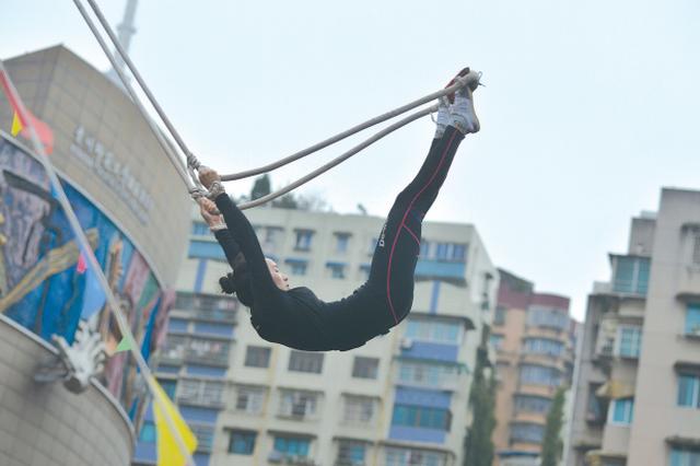 第九届贵州省少数民族传统体育运动会秋千项目举行
