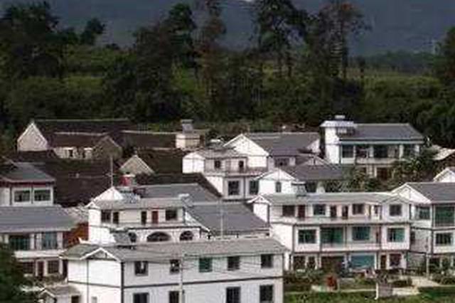 黔西县永燊乡干井村沙坝村村民 种养产业筑致富路
