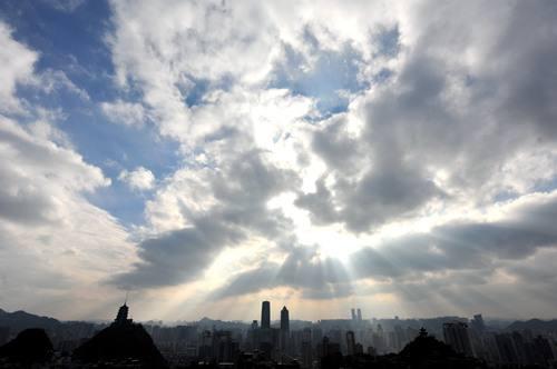 贵州:今日阴天唱主角 明天阳光来作伴