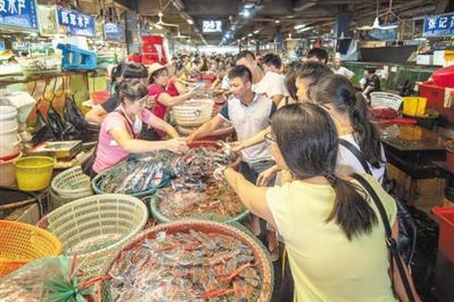 海鲜市场停电商户面临损失 网格警责成市场补交电费
