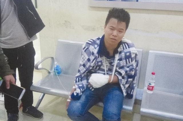仁怀:学校附近突发山火 一位老师在灭火时手被炸伤