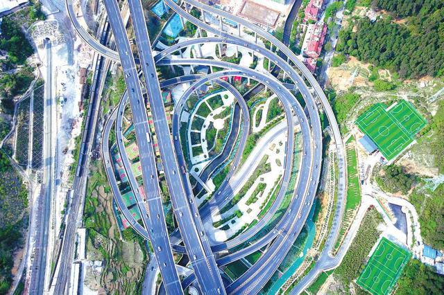 70年 贵州省人均GDP从44元增加到4万元 翻了937倍