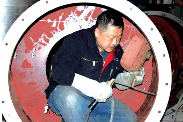 """他为导弹缝制""""无缝天衣"""" 央视点赞""""贵州工匠""""姜涛"""