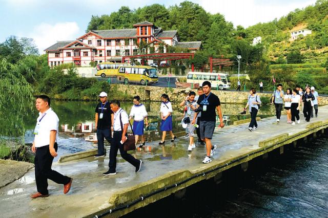 贵阳乡村旅游上半年接待游客4300多万人次 综合收入98亿元