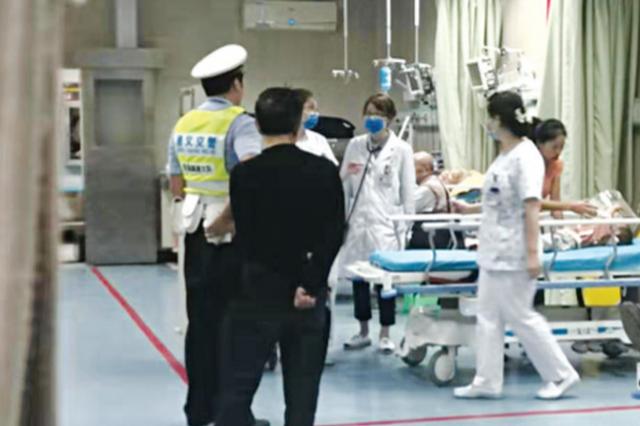 孩子突发急病 33公里,交警护送到医院