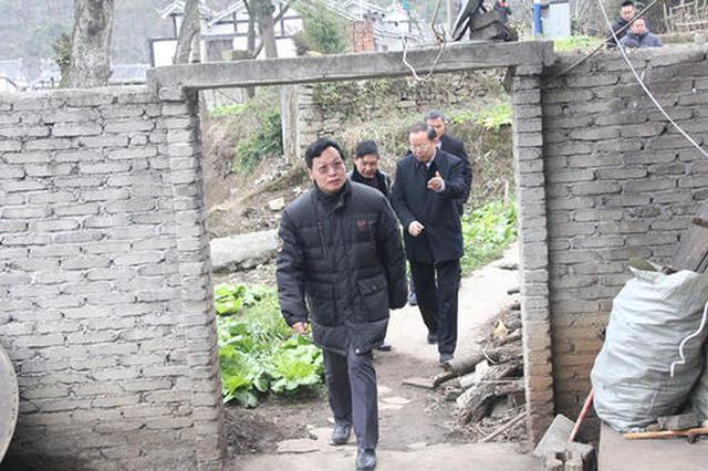 贵州织金:驻村干部假日扶贫不松懈
