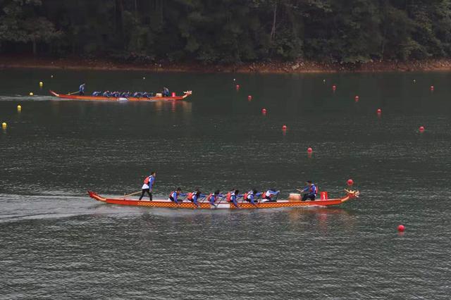 世界名校龙舟大赛中国高校获500米直道竞速两个组别冠军