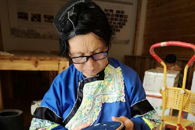 贵州榕江:少数民族文创产品出山记