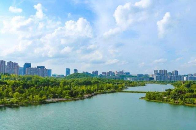 上月,9个中心城市六盘水空气质量最好