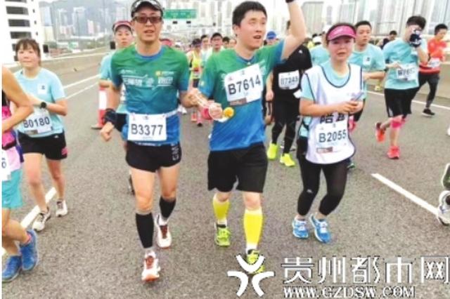 """在奔跑中找到""""光明""""——贵阳盲人吴磊的马拉松情结"""