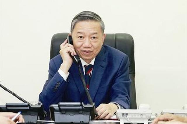 省委省政府扶贫专线开通4周年 接听来电4万多个