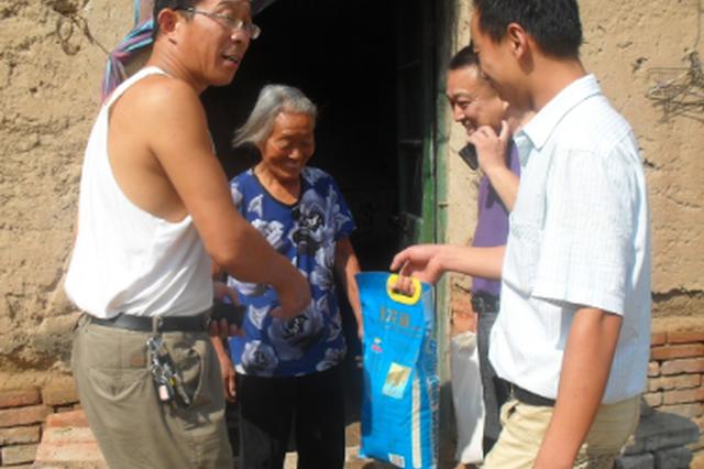 二戈寨社区:走访困难群众