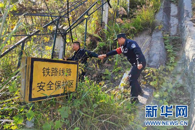 春运十天 铁路警方查获网逃14人 缉毒2990余克
