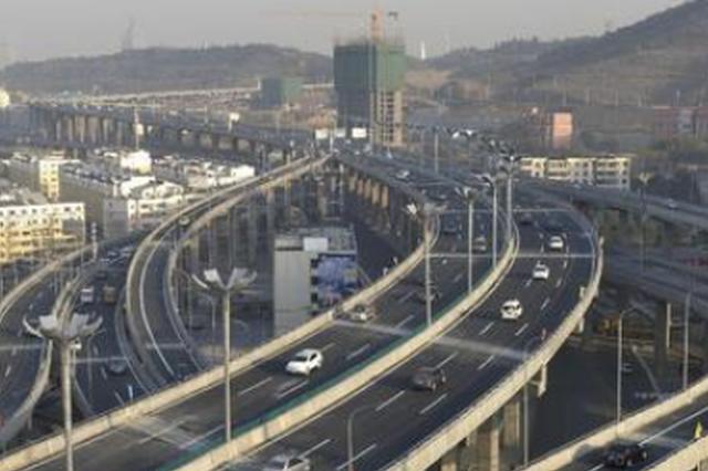 贵阳红岩路部分路段施工改单行 3条公交线路有调整