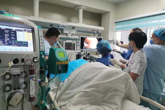 遵医附院重症医学二科成功开展电子胃镜引导下鼻空肠管置管术