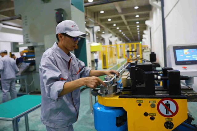 """""""箱""""遇水城——水城经开区建设中国第一条高标准铝行李箱生"""