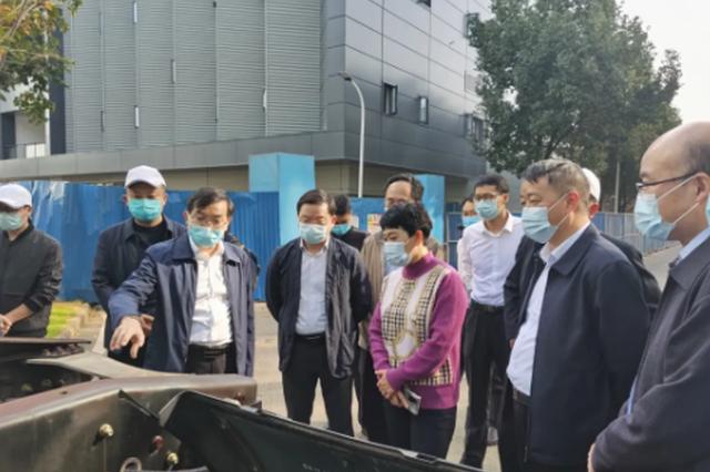 领导带头招商:杨永英率队到武汉市东风汽车集团有限公司考察洽谈