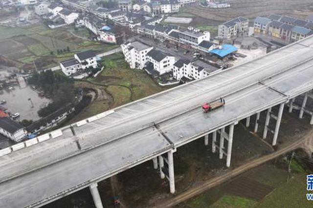兰海高速重遵扩容工程蒲场特大桥主体工程全部完工