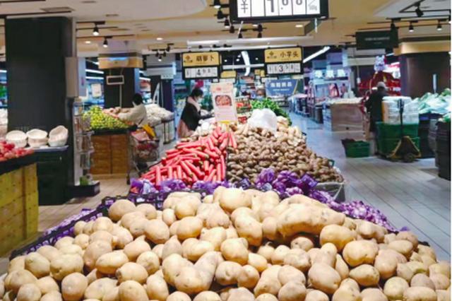 遵义批发市场、超市正常营业 生活物资库存较为充足