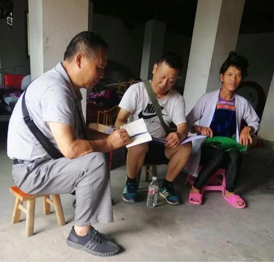 贵州银行驻村第一书记李茂荣的扶贫故事