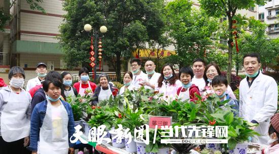 栽花种草,贵阳市社会福利院的这场活动,让老人们很欢乐