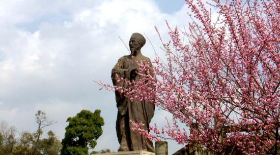 中国阳明文化园春来花开早