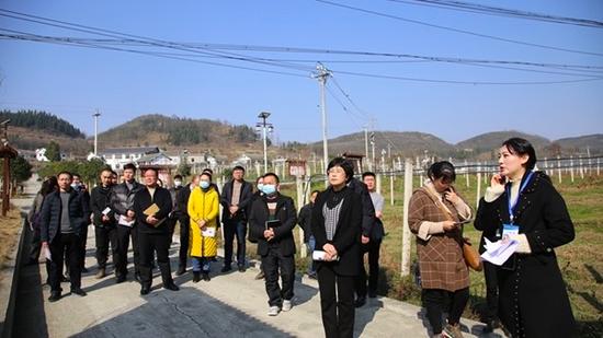 修文县组织党风廉政建设及廉政文化宣传工作观摩活动