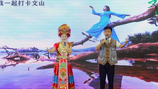 云贵高原兄弟俩 爽爽贵阳 文山好玩:网红局长筑城邀客 去普者
