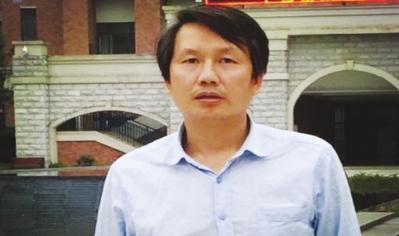 乐湾国际实验学校化学教研组长陈远贵