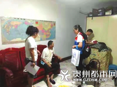 重阳节前 探访坚强生活的独居老人